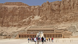 Classic Sleeper Train and Luxor and Aswan Tour