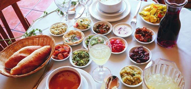 Popular Israeli Food to Experience on an Israel Tour